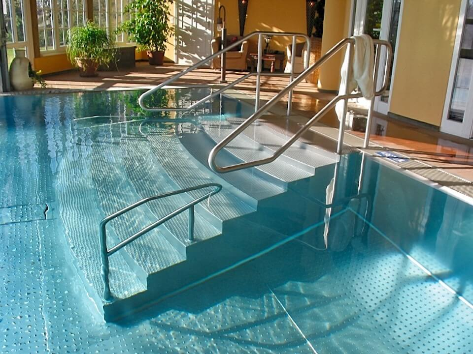 swimming-pool-06.jpg